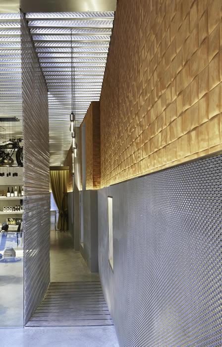 Barber's Club Mallorca: Architectural wire meshes by Codina