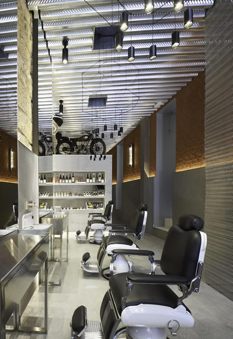 Barber's Club Mallorca with wire meshes by Codina
